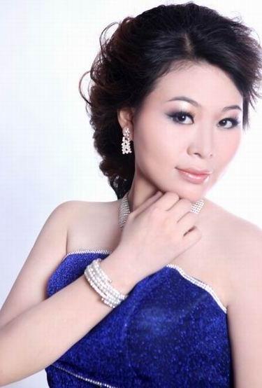 歌手 丽萍
