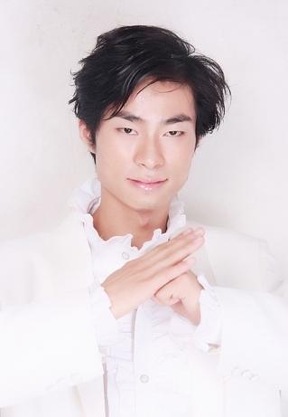 歌手 王伟