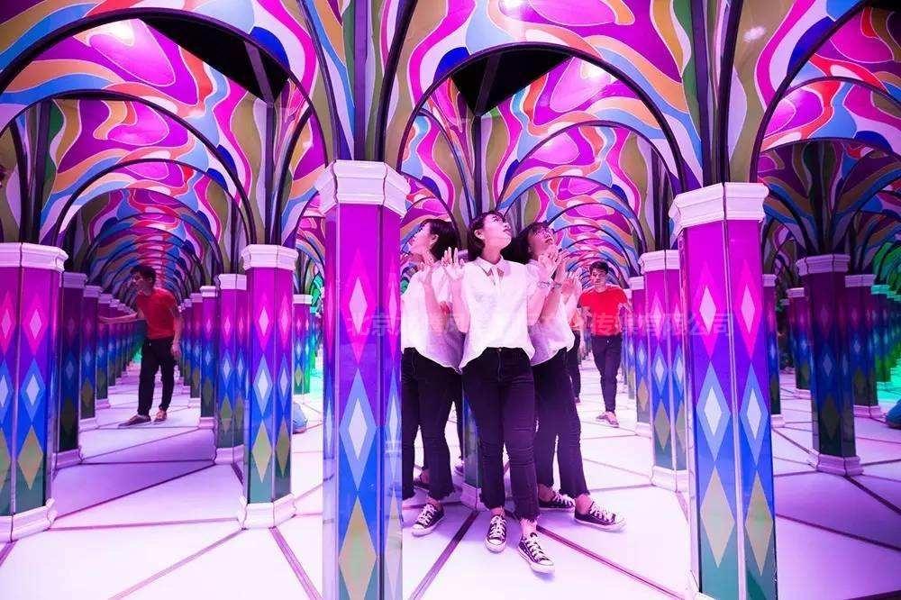 镜子迷宫、动感镜宫、光影迷宫