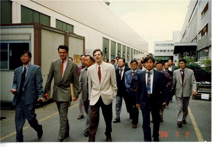 一九九六年随团走访德国宝马汽车有限公司