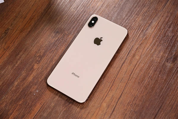 华为遭打压,苹果公司终于发声,网友:干得漂亮!