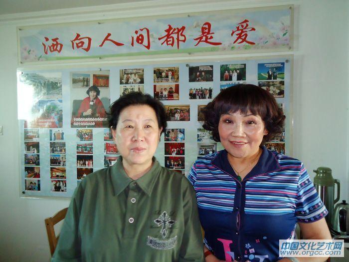 副馆长舒润地与文化部中国传统文化促进会会长杨丽丽在一起