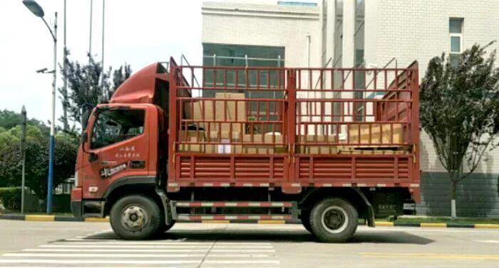 成都到上海物流运输4.2高栏车型