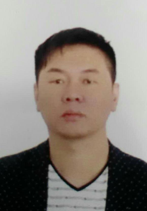 副主席:李泓甫