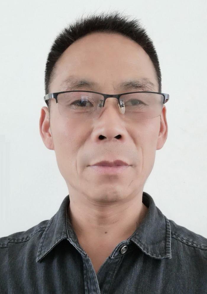 江苏省分会副会长:李洪展