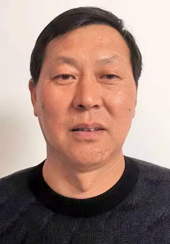 吴钟,中国书画家协会 安徽省黄山市分会会员
