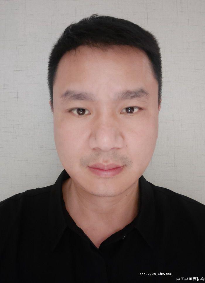 李华东,中国书画家协会湖南分会副会长